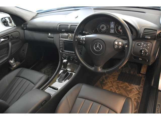低走行ということもあり、内装の使用感無く、限りなく新車時をご想像いただけるコンディションです!