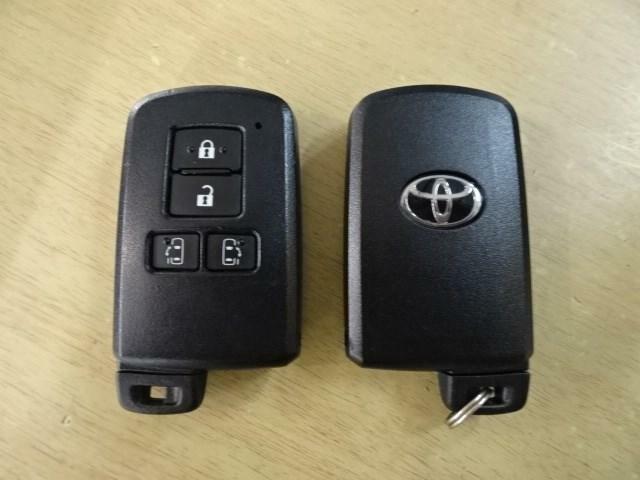 スマートキーもございます。バッグやポケットに鍵を入れたまま施錠・開錠できる便利アイテムです♪