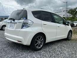 この車両は走行距離が多い為「保証なし」で価格を抑え目に設定して販売しております。