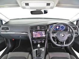 VWならではシンプルかつ上質なインテリア!