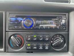 USB接続でお手持ちのスマートフォンや、ミュージックプレーヤーち繋がります!エアコンもよく冷えます!!