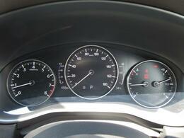 メーターの中央部分に車のステータス情報を表示する7インチのTFTカラー液晶を採用。視線移動量の低減や読み取りやすさの向上に貢献します!!