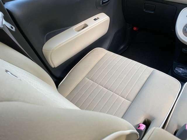 フロント座席です!綺麗に仕上げております!シートカバー等の取り付けも可能です!