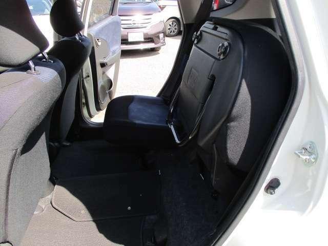 チップアップシートなので背の高い荷物が載せられます。