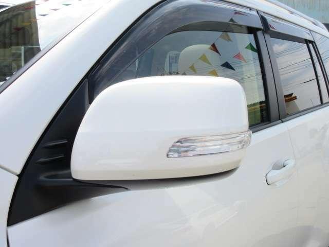 純正ウィンカーミラー付き♪ 視認性もよく、安全性もあります♪ エクステリアとしても人気の装備になります♪