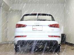☆コーナリングや都市で遭遇する長い直線道路などあらゆる路面を心地よく走るテクノロジーを装備。Audi独創のフルタイム4WDシステムquattro☆