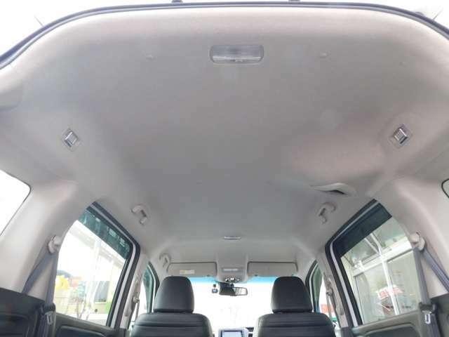 トランク・天井の画像です!全国への販売、ご納車の実績がございます。遠方にお住まいの場合でもご相談ください!安心してお求めいただけるようしっかりご案内させて戴きます!