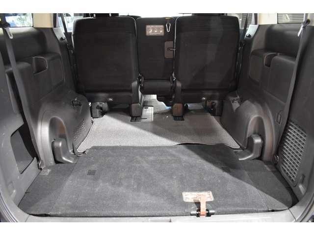 3列目シートは床に収納可能です!