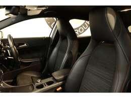 綺麗な状態が維持されたブラックレザーDINAMICAシートを装備!メモリー機能付きパワーシートやシートヒーター、ランバーサポートなど長時間の運転も楽々お楽しみ頂けます。