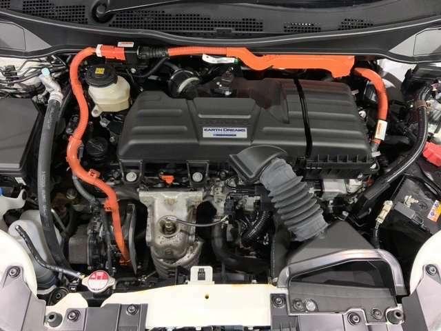 モーターは回りはじめた瞬間から最大トルクを生む特性を備えます。オデッセイHVの走行用モーターは、実にV6 3.0Lエンジンの最大トルクに匹敵する力を発生し、幅広い速度域で力強く滑らかな加速と静粛性を両立。