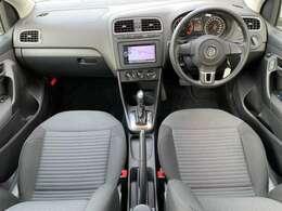 2012yモデル/I-STOP/クラリオンナビ(フルセグ/Bluetooth/DVD/CD)/本革巻ステアリング/ヘッドライトレベライザー/LEDウィンカー付電動格納ミラー