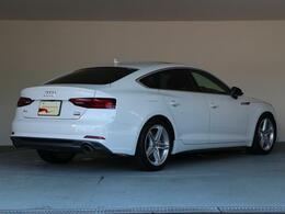弊社アウディジャパン販売のグループ店舗(Audi Approved Automobile有明・豊洲・世田谷・調布・箕面・大阪中央・大阪南・堺)の車両は当店でご購入可能です。店舗間の輸送費用サービス。