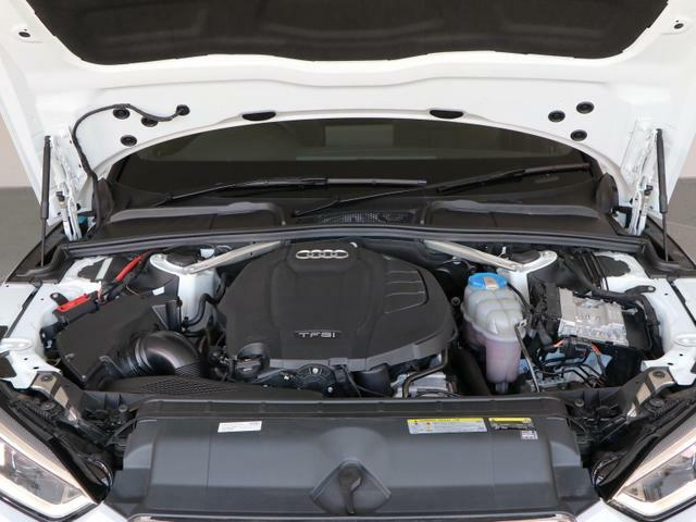 排気量を小さくし燃費とパワーを両立する高効率直噴ターボエンジン。