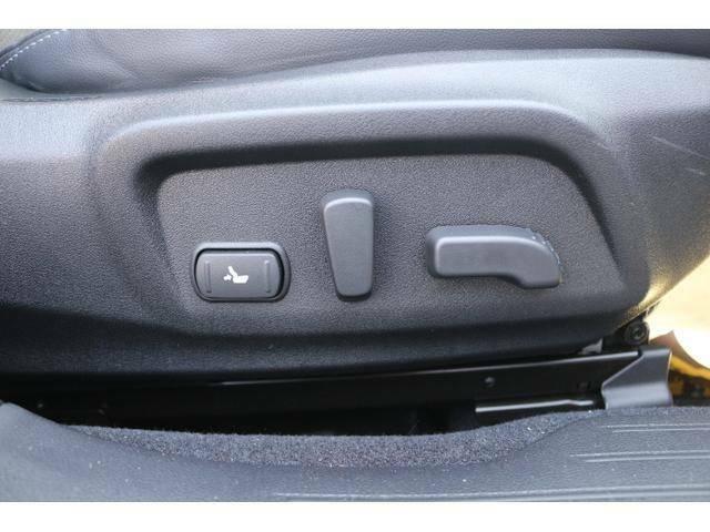 ★メモリーシート機能付きです。★お好みに調整したシートポジションを記憶し、ボタンひとつで呼び出せます。★