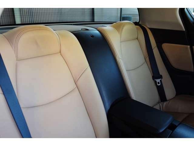 ルームクリーニング済みです。レザーシート専用の洗浄剤にて掃除後保湿クリームにて保護し車内の汚れをスッキリ落とし清潔な車内空間を作り出しています!
