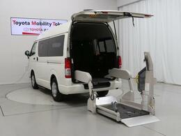 トヨタ ハイエースバン 3.0 ウェルキャブ Cタイプ ロング ディーゼルターボ 福祉車両 車椅子仕様 SDナビ Bカメラ 10人
