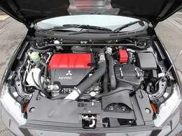 クリーニング済み綺麗なエンジンルーム&4B11型MIVECインタークーラーターボエンジン!!