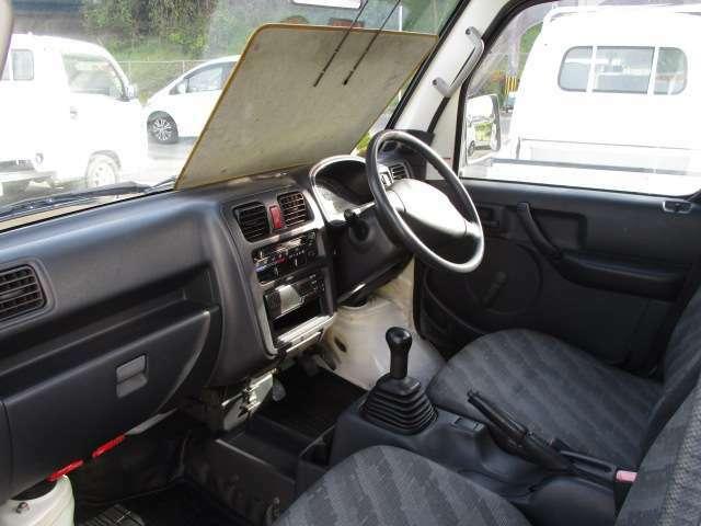 助手席の画像です 熊本インターより光の森経由菊陽町にじの森近くの高速沿い または、植木インターより北バイパス経由新地団地近くの高速沿いに。トミタマイカー カーセンサーフリーダイヤル 0066-9711-964279