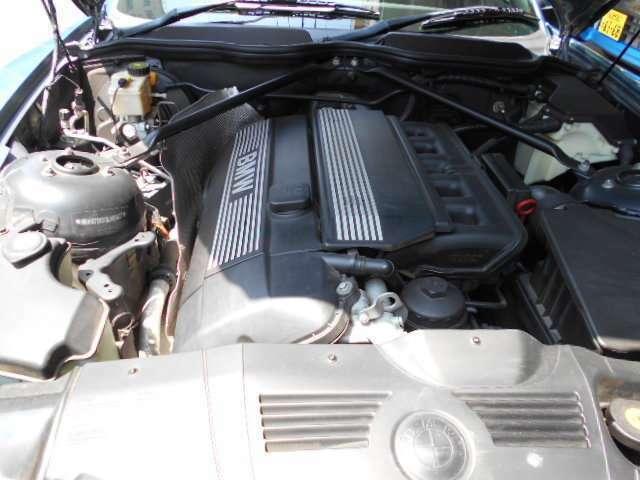エンジンは、2.2l良好です。6気筒エンジンZ3から定評のエンジンです。