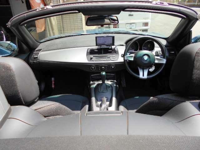 外から見たアングルです。運転する楽しさが詰まったロードスターをお探しの方必見の1台です♪