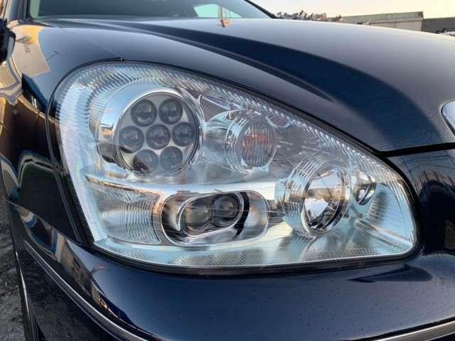【ヘッドライト】全車ヘッドライトを磨いてます!これだけでお車が新しく綺麗に見えます!!新しくお車を乗り換えるのに黄ばんでいてはカッコ悪いですよね。気持ち良くお乗り頂くために無料で行っております♪