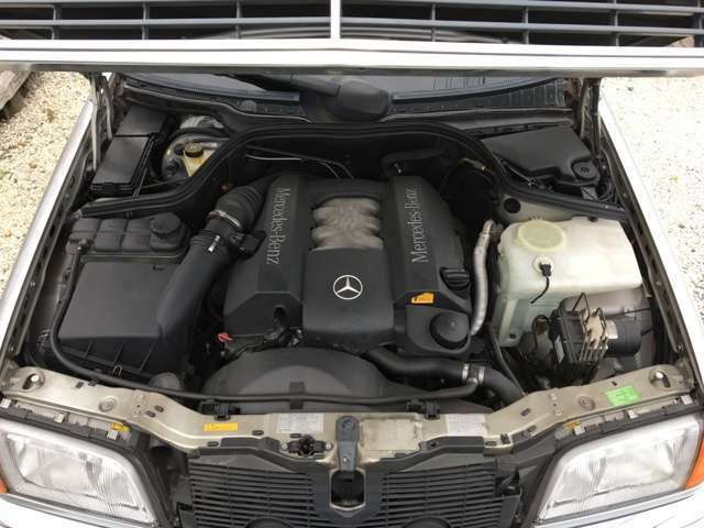 エンジンはW202後期のV6 2.4リッタ-170ps/22.9kg(カタログNET値)の完成された丈夫なエンジンです