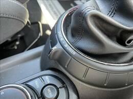 オプションのドライビングモードを装備。グリーンモード、MIDモード 、スポーツモードを切り替えてドライブをお楽しみいただけます。より進化したゴーカートフィーリングをお楽しみください。