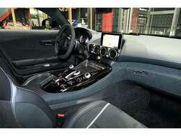 AMGパフォーマンスシート シートヒーター AMGマットブラックカーボントリム ブルメスターサウンドシステム