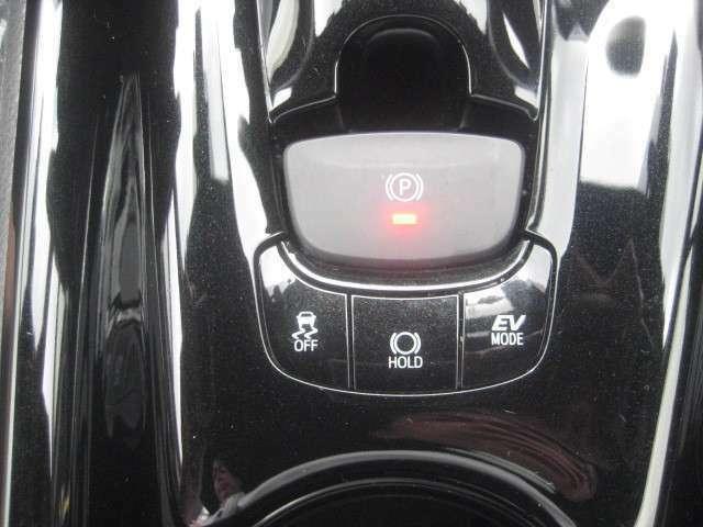 タイヤ交換からちょっとした点検・整備まで腕利きのメカニック達がお客様の快適なカーライフをしっかりサポートさせて頂きます