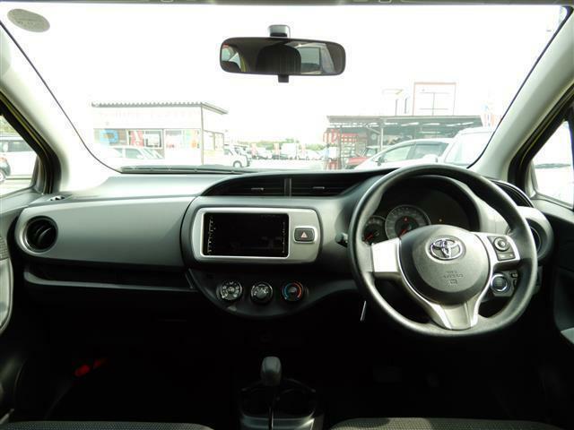 フロントガラスが大きいため前方が見やすく運転しやすいですよ♪