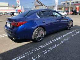 R1 スカイライン 3.0 400R ブルー 入荷しました☆