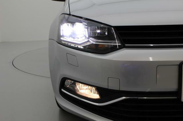 とっても明るい、LEDヘッドライトが標準装備です。