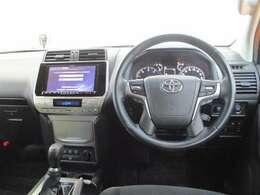 車高が高く、見晴らしの良い運転席です(^^)