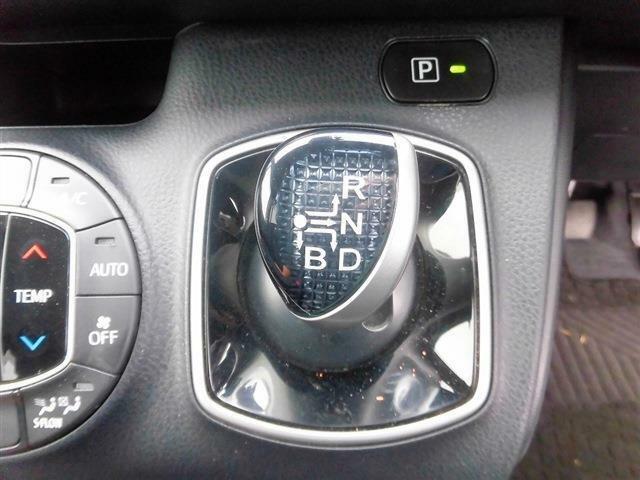 後期型・セーフティセンス・フルセグナビ・バックカメラ・Bluetoothオーディオ・パワースライドドア・LEDライト・クルーズコントロール・ドアバイザー・ミラーウィンカー・プライバシーガラス・USB