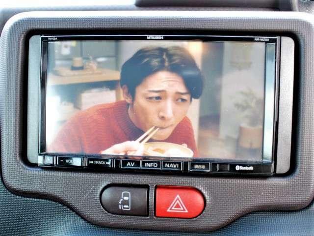 ★ナビの他にもフルセグTVやバックモニター、DVD再生機能、人気のBluetooth機能も装備しています。走行中もTVは映ります。
