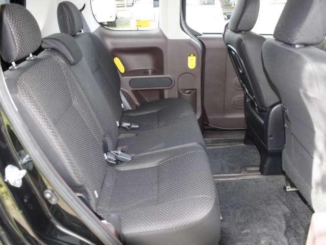 ★ソファーのような深い座面と厚手のクッションが人気のスペイドはリビング感覚でドライブを満喫できます。