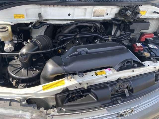 3000cc・ディーゼルターボ・4速オートマ(^^♪