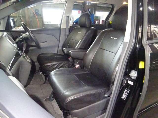 トヨタ純正シートカバー付きです。