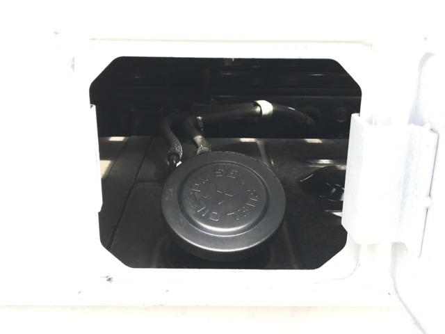 給油口のカバーに鍵がついているので、防犯上も安心です。