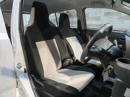 内装のシートの状態も良いです!ロングドライブも疲れ知らず!快適なドライブをお楽しみください!