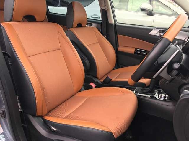 【フロントシート】ゆったりとしたシートで快適にドライブができます!