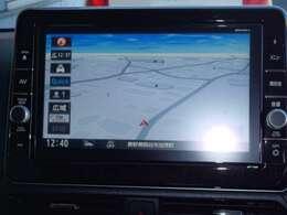 純正オプションメモリーナビ・フルセグTV(MM318D-L)付いてます。お出掛けの際、道が分からなくてお困りになる事は無いでしょう。