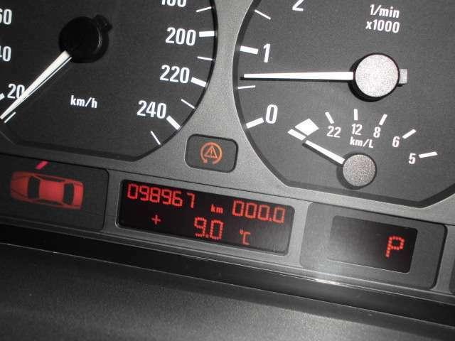 ABS サイドブレーキ エンジンチェックランプ点灯。走行支障なし。