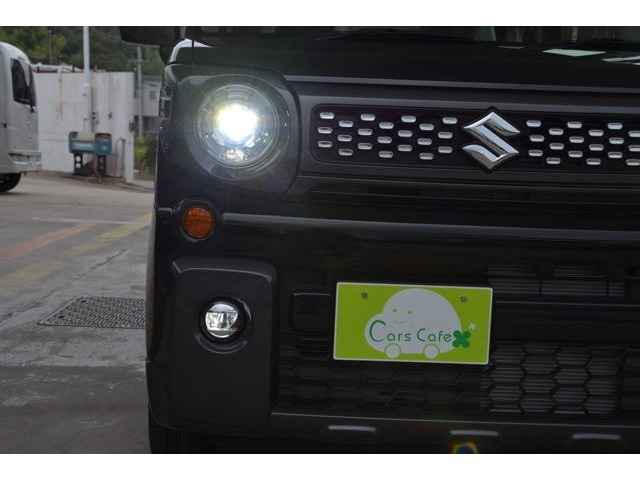 明るいLEDヘッドランプ、LEDポジションランプ、LEDフロントフォグランプライト装備です!夜道も見やすく安心ドライブをお問い合わせは079-280-1118、カーズカフェ カーベル姫路東まで^^