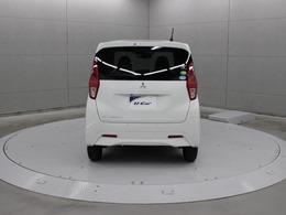 変速ショックのないスムーズな走りを生む自動無段変速機「CVT」を採用。燃費の向上と力強くなめらかな走りをかなえています。