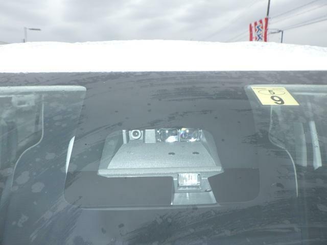 自動(被害軽減)ブレーキ装備で万が一の時も安心