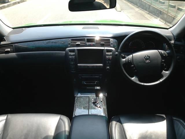 車高調整ご相談ください!迫力のオ-バ-フェンダ-です!DVD再生 ヘッドモニタ内装ワンオフLED 黒革 フルタップ車高調