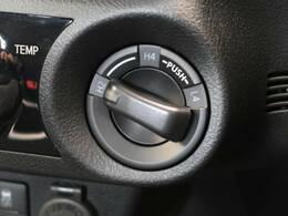 走行状況や路面状況に応じて2WD⇔4WD(AUTO)の切り替えが可能です☆普段は2駆で、アウトドアな時は4駆でといった使い分けで燃費調整にも役立ちます☆