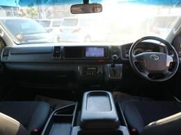 見渡しの良い運転席は視認性も良く人気があります☆