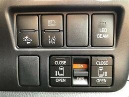【両側電動スライドドア】『小さなお子様でもボタン一つで楽々乗り降り出来ます♪駐車場で両手に荷物を抱えている時でもボタンを押せば自動で開いてくれますので、ご家族でのお買い物にもとっても便利な人気装備』